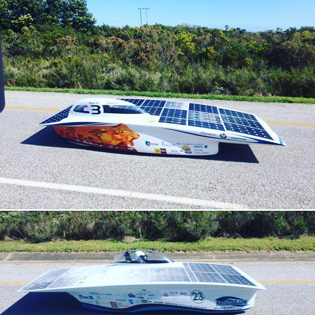 Diesel versus solar! Ineens flitsen er aparte auto's voorbij